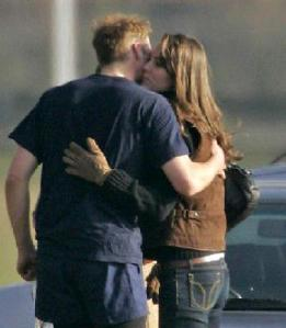 https://romanticideasinlife.files.wordpress.com/2013/01/prince_william_kate_middleton_kissing.jpg?w=261